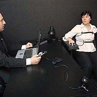 Как себя вести при проверке на детекторе лжи при приёме на работу